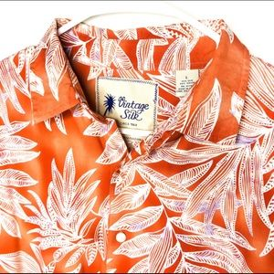 Vintage Silk Awesome Flow ButtonUp